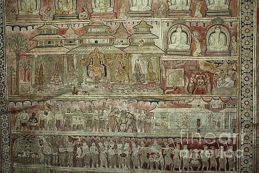 Patricia Hofmeester - Buddhist wall murals in Dambulla