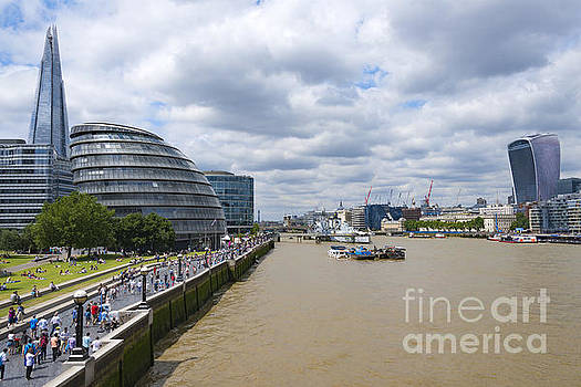 Svetlana Sewell - Busy London