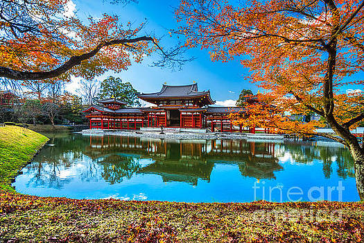 Byodo-in Temple in Kyoto by Luciano Mortula