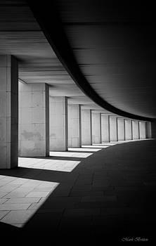 C u r v e by Mark Britten