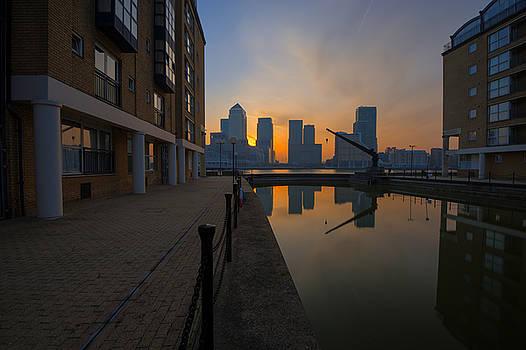 Canary Wharf Sunrise by Donald Davis