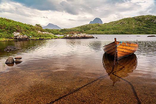 Canisp and Suilven From Loch Druim Suardalain by Derek Beattie