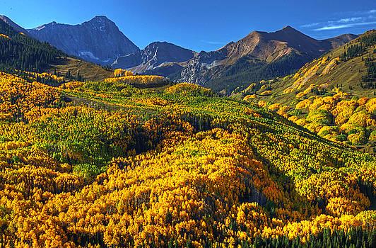 Capitol Peak Looms by Chris  Allington