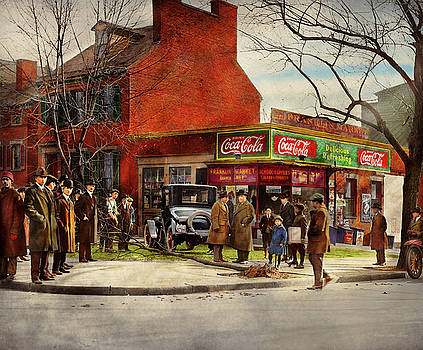 Car - Accident - Looking out for number one 1921 by Mike Savad