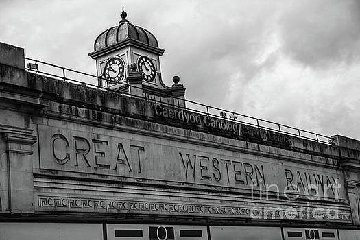 Cardiff Central Station Mono by Steve Purnell