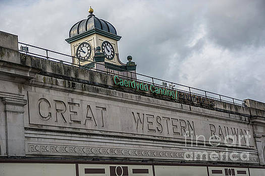 Cardiff Central Station by Steve Purnell