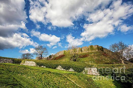 Carisbrooke Castle by English Landscapes