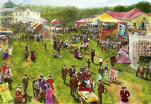 Mike Savad - Carnival - Summer at the carnival 1900