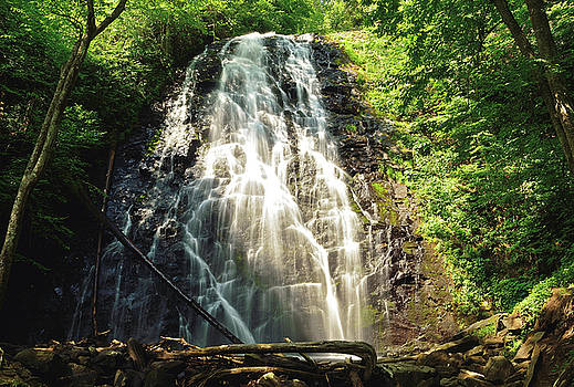 Carolina's Crabtree Falls by Jamie Pattison