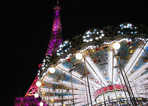 Carousel and Tour Eiffel by James  Wasdell