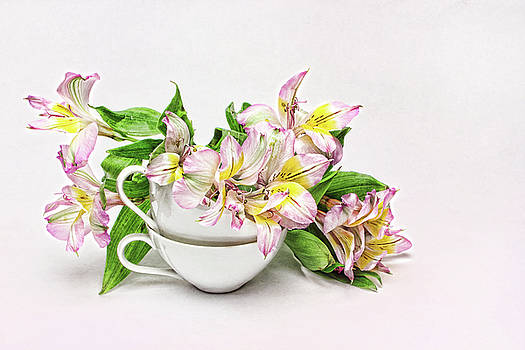 China Cups and Lillies by Vicki McLead