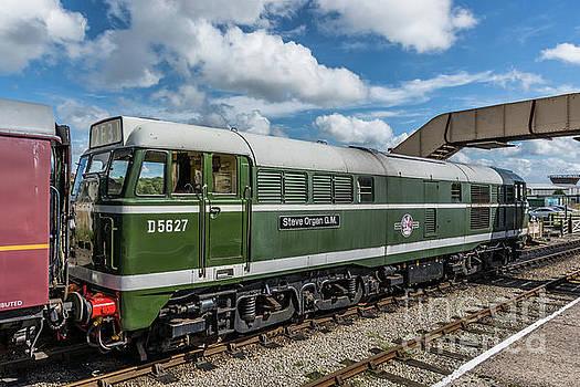 Class 31 Diesel 2 by Steve Purnell