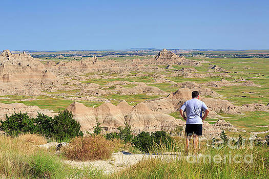 Cliff Shelf Trail viewpoint in Badlands National Park by Louise Heusinkveld