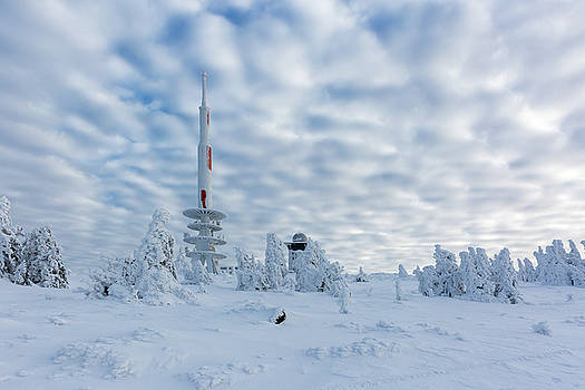 Closer to the sky - Brocken peak in winter by Andreas Levi