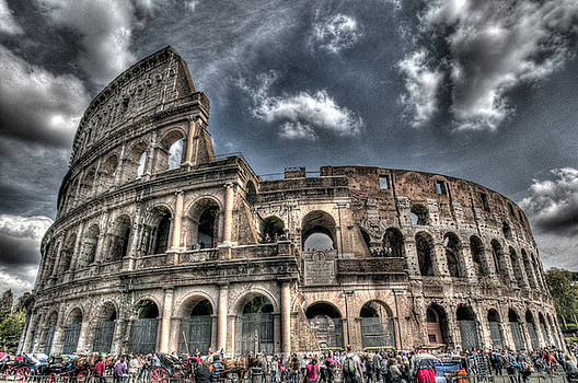 Coliseo Roma by Miguel Pardo