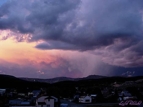 Colorados Evening Light by Leslie Rhoades