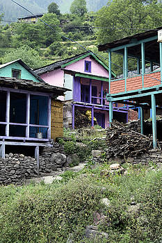 Colourful houses by Sumit Mehndiratta