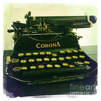 Corona Typewriter by Nina Prommer
