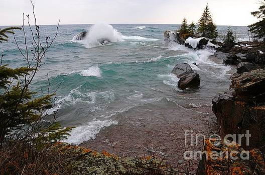 Cove of Superior Waves by Sandra Updyke