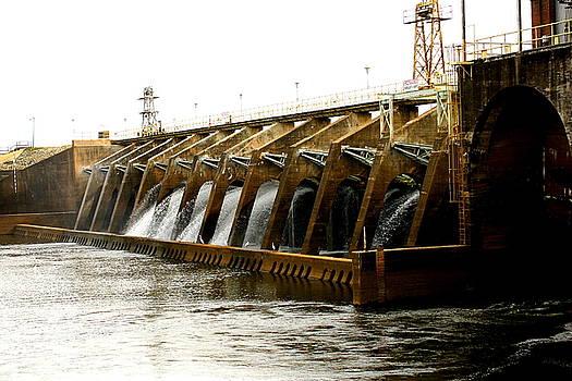 Crisp County Power Dam by Danny Jones