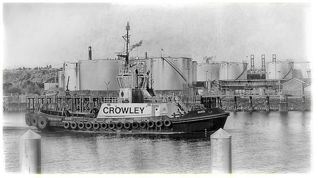Crowley Tug, Port of Tacoma by Matthew Ahola
