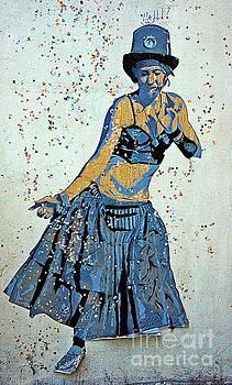 Dancing Machine by Lilliana Mendez