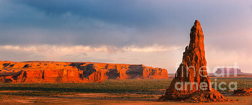 Dancing Rocks, Navajo Reservation, Arizona, USA by Henk Meijer Photography