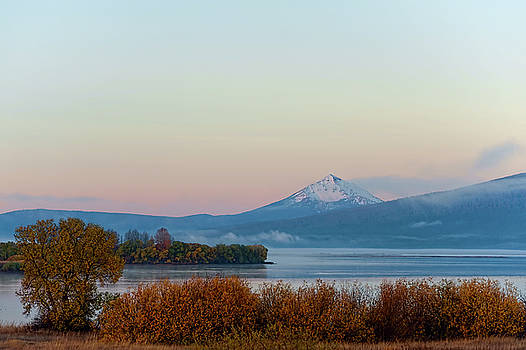 Dawn's view of upper Klamath Lake by Dee Browning