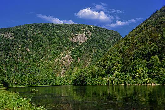 Delaware Water Gap from New Jersey by Raymond Salani III