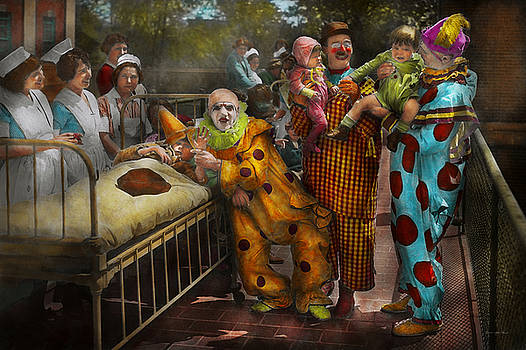 Mike Savad - Doctor - Fear of clowns 1923