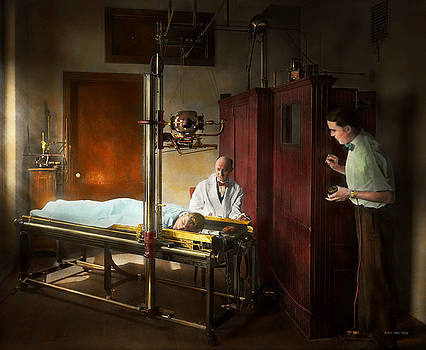Mike Savad - Doctor - X-Ray - In the doctors care 1920