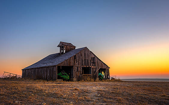 Doniphan County Barn by Mark McDaniel