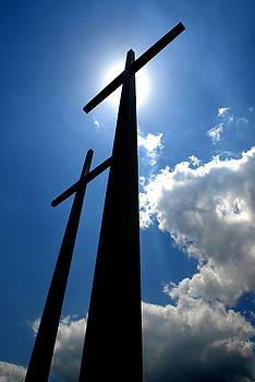 Dos Cruces by Miguel Pardo