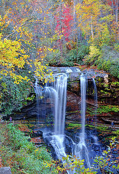 Dry Falls In Fall by Savannah Gibbs