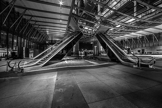 Dual Escalator by Bun Lee