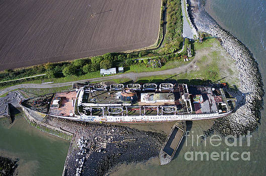 Duke of Lancaster 2 by Azimuth Images