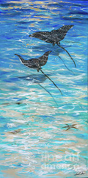 Eagle Rays Gliding by Linda Olsen