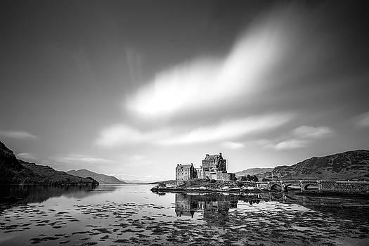 Eilean Donan Castle by Davorin Mance