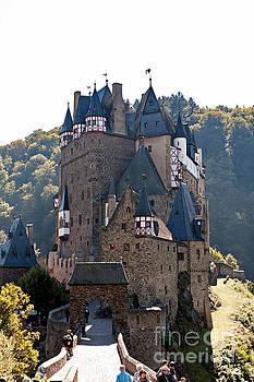 Eltz castle by Joerg Lingnau