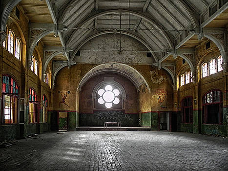 Empty Lost Space by Joachim G Pinkawa