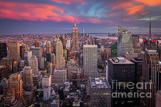 Epic Manhattan Sunset by Inge Johnsson