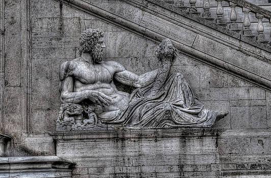 Estatua 2 by Miguel Pardo
