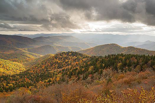 Fall arrives at Cowee by Derek Thornton