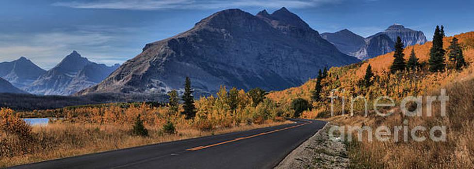 Adam Jewell - Fall Foliage Along Going To The Sun Road