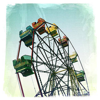 Ferris Wheel by Nina Prommer