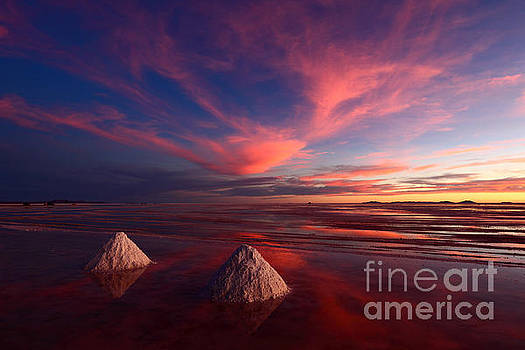 James Brunker - Fiery Clouds Over the Salar de Uyuni