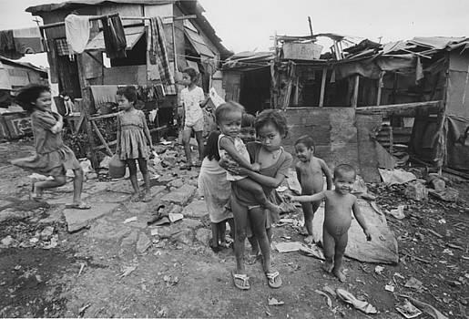 Filipino children by Jim Wright