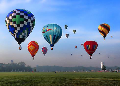 Flag City Balloon Fest by Tom Schmidt