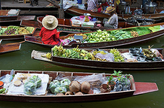 Floating Market by Jirawat Cheepsumol