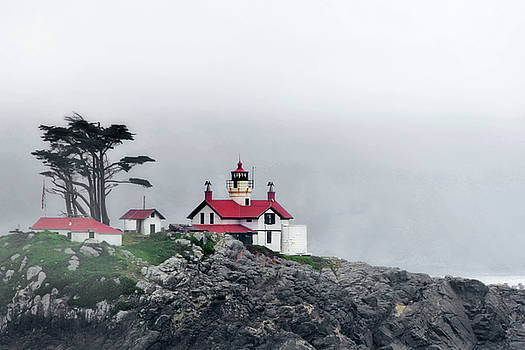 Christine Till - Fog comes rolling in - Battery Point Lighthouse - Crescent City CA